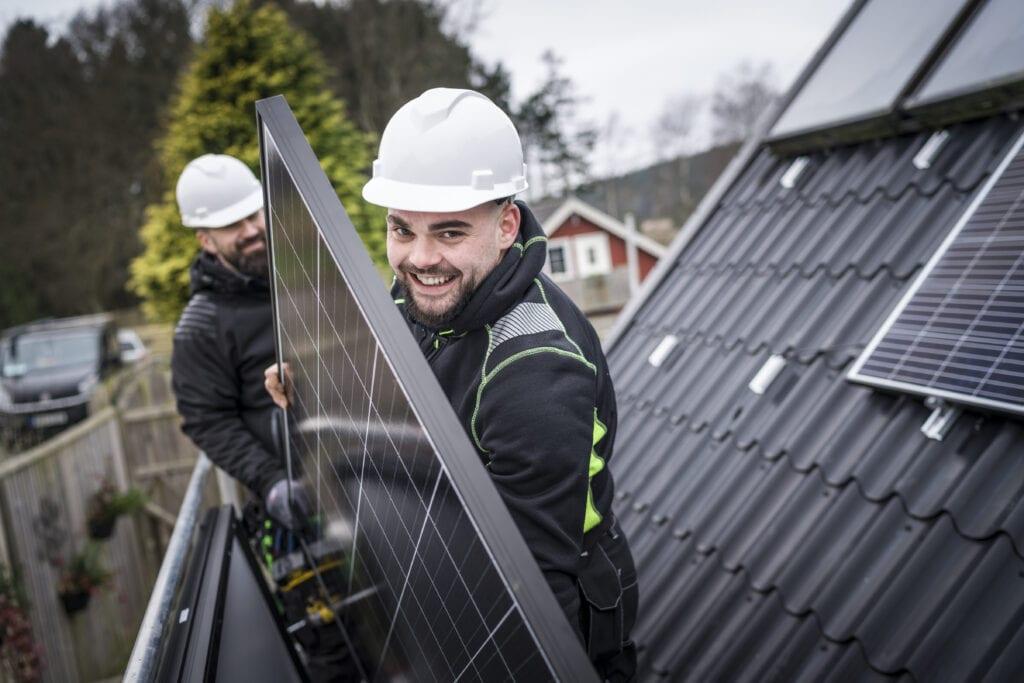 Kontakta Futura Energi för montering av solpaneler för ren solel